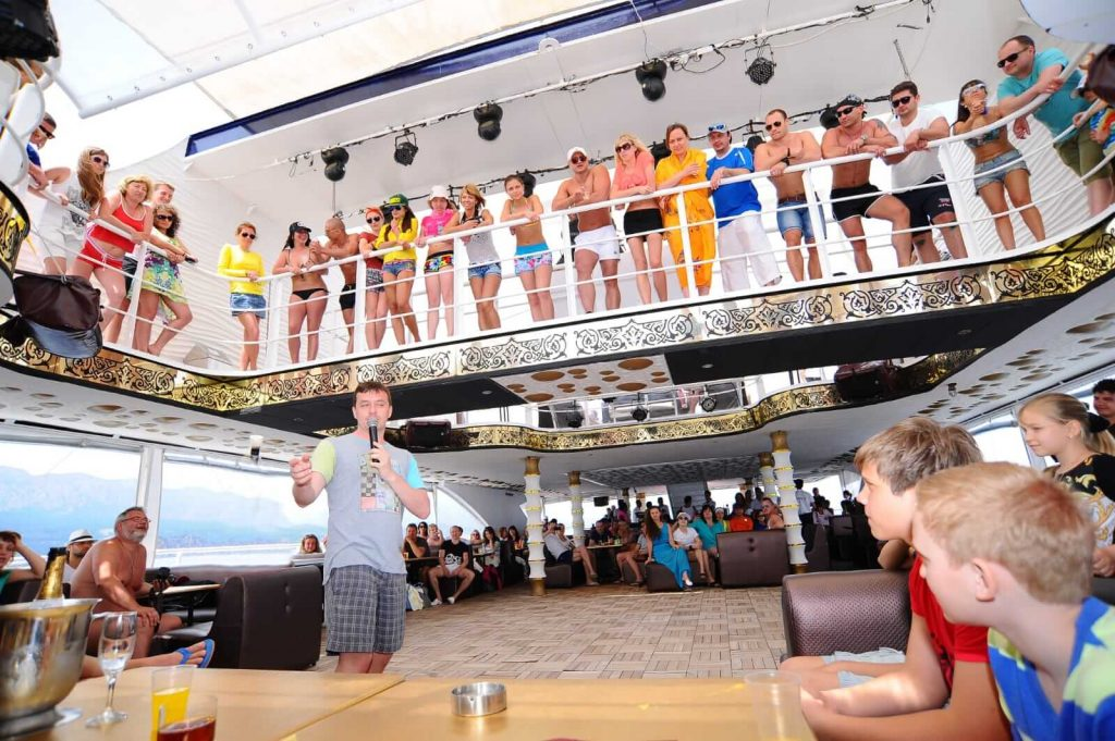 foam party boat tour antalya